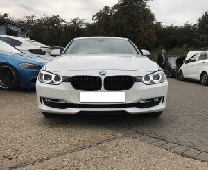 F30/31 Gloss black grilles