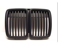 E30 Black front grilles